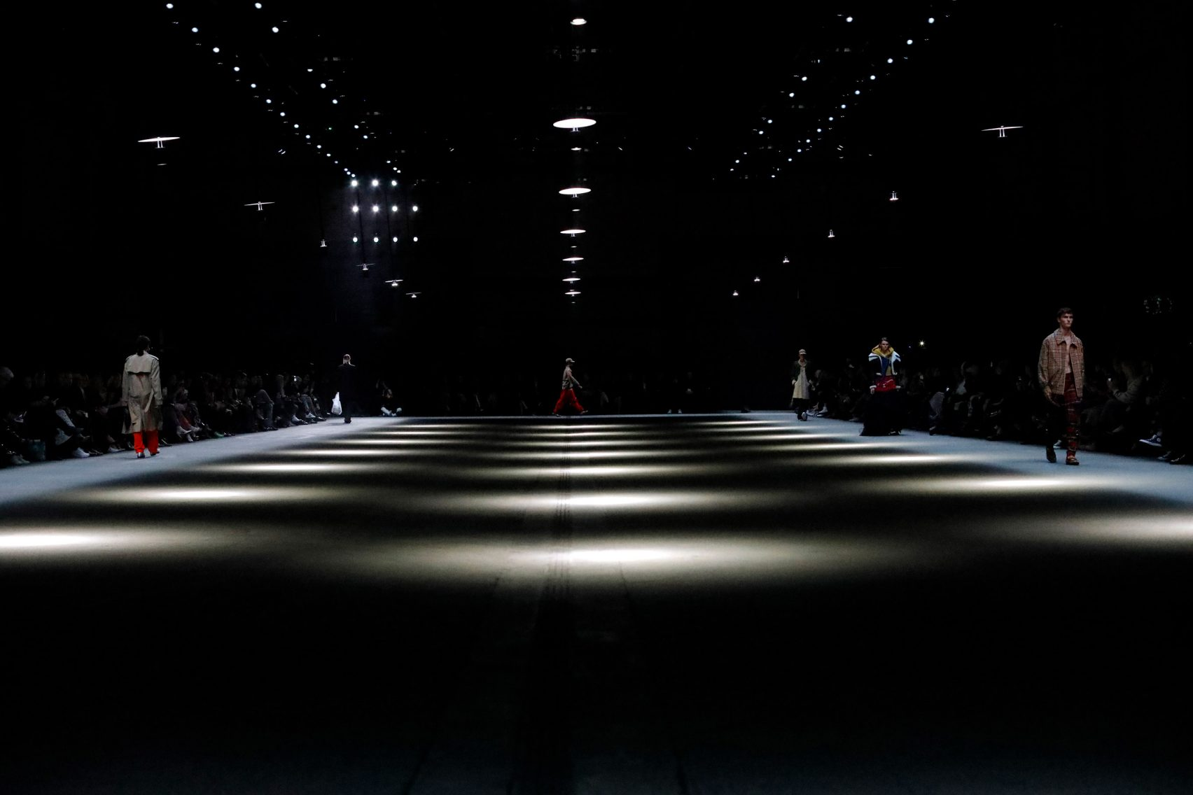 Prismatic Light Installation for Burberry catwalk show. Installation by United Visual Artists